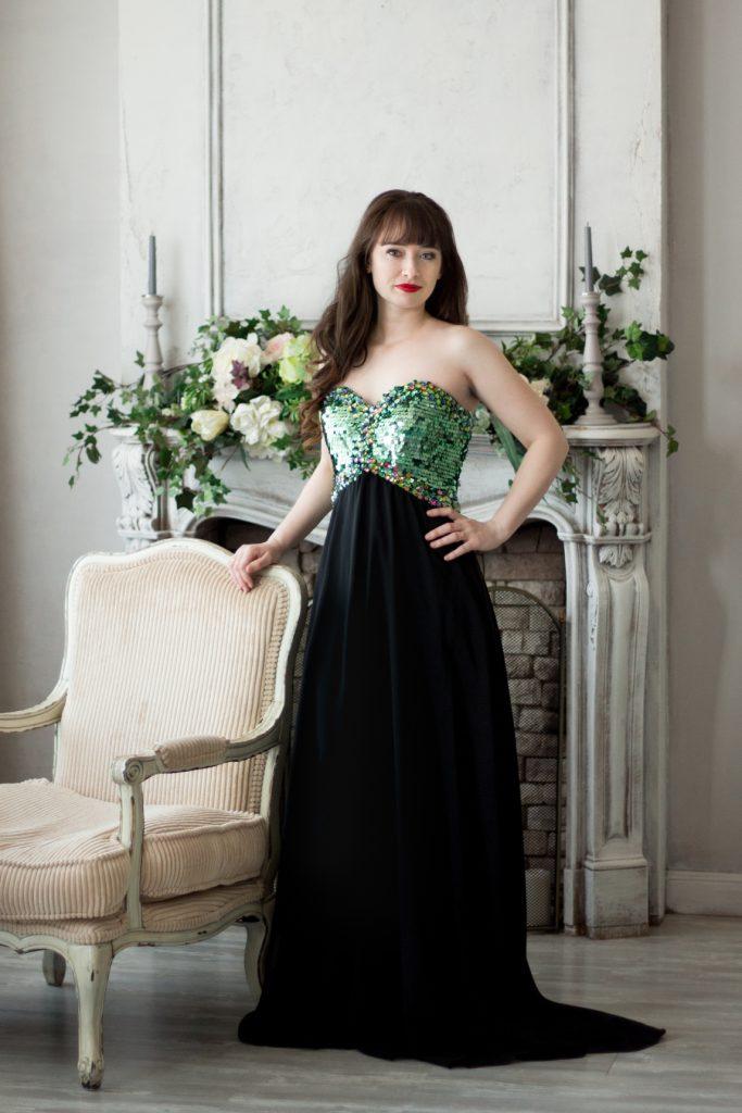 Черное платье длинное вечернее с камнями