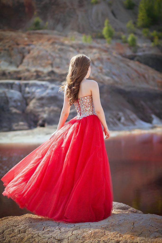 Прокат пышного бального красного платья
